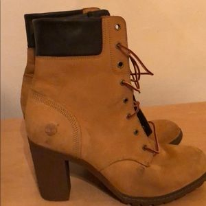 Women's block heeled timberland boot size 9.5